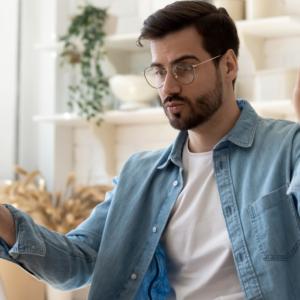 Oszczędzaj, inwestując w home office